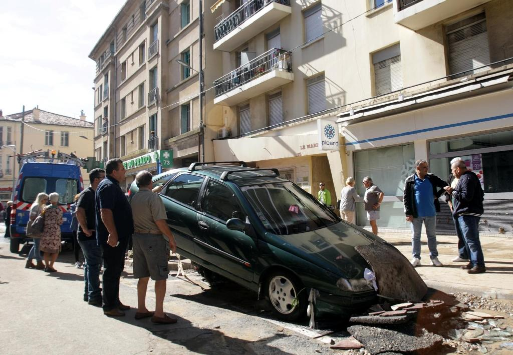 17 dead as heavy flooding hits French Riviera