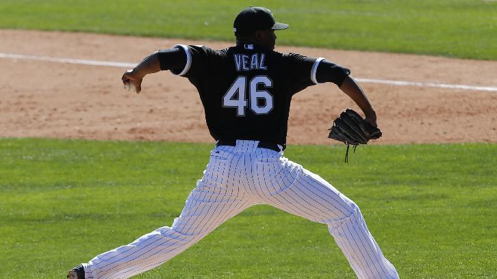 Chicago White Sox relief pitcher Donnie Veal throws against the Arizona Diamondbacks in the seventh inning during an exhibition baseball game in Glendale, Ariz., Saturday, March 8, 2014. (AP Photo/Paul Sancya)