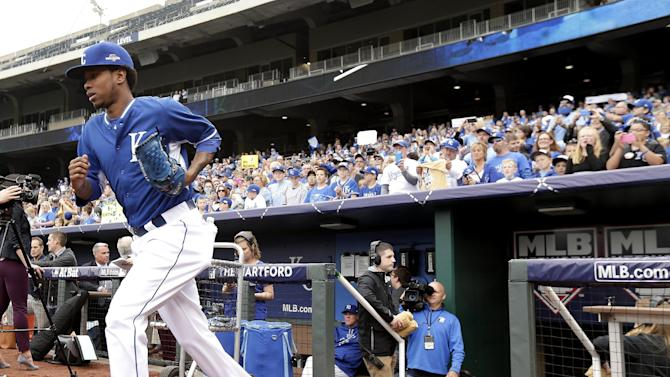 Kansas City Royals starting pitcher Yordano Ventura runs onto the field for baseball practice Tuesday, Oct. 6, 2015, in Kansas City, Mo. Ventura will start for the Royals when they face the winner of tonight's AL wildcard game Thursday in Kansas City. (AP Photo/Charlie Riedel)