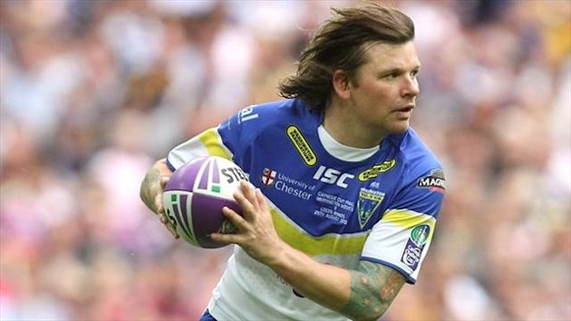 Lee Briers made a try-scoring comeback for Warrington Wolves