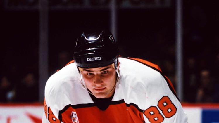 Eric Lindros #88 of the Philadelphia Flyers(Photo by Denis Brodeur/NHLI via Getty Images)