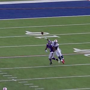 Minnesota Vikings wide receiver Greg Jennings corrals quarterback Teddy Bridgewater's deep pass