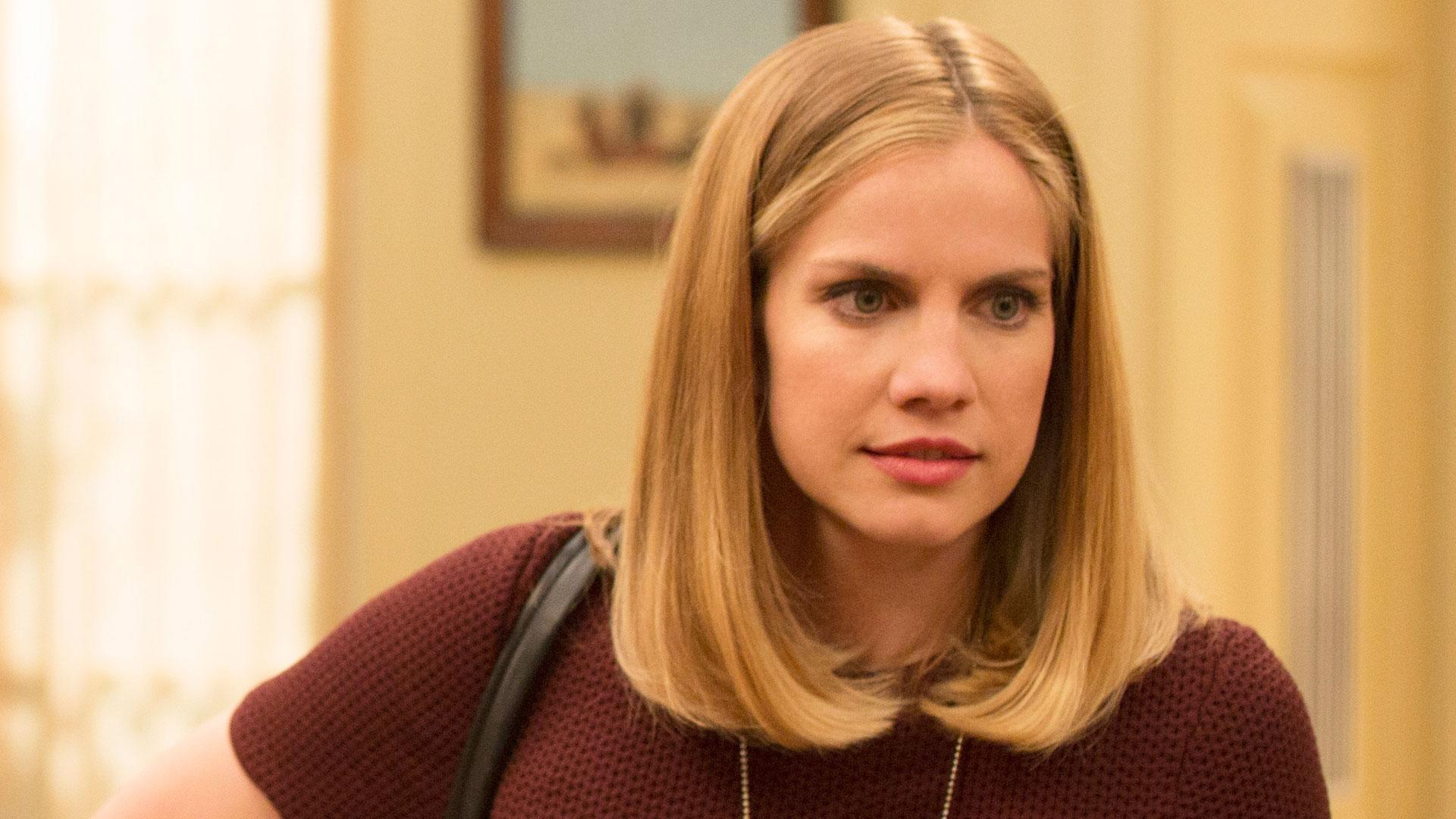 'Veep's' Anna Chlumsky on Career Women, Emmys and Showrunner Switching