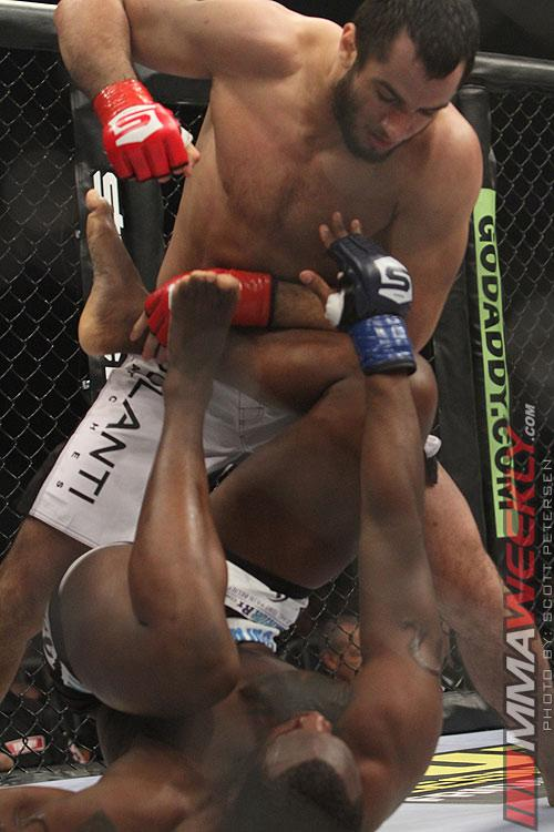 Gegard Mousasi's New Frontier: Knee Surgery Behind Him, He Eyes Quickest Path to a UFC Title