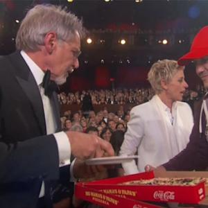 Ellen Brings Pizza To The Oscars