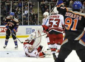 Tavares scores both Isles goals in win over Canes
