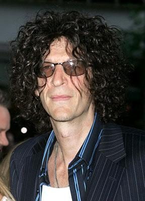 Premiere: Howard Stern at the New York premiere of Paramount Pictures' War of the Worlds - 6/23/2005