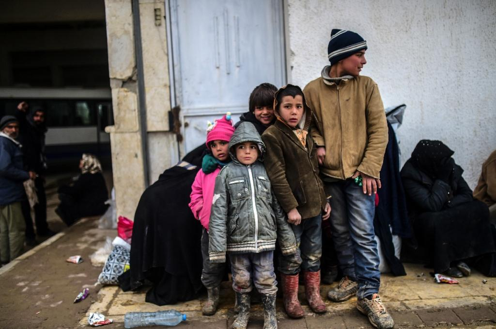 Turkish border town fears fresh Syrian refugee influx