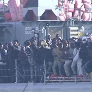 Hundreds of migrants feared drowned trying to reach Italy