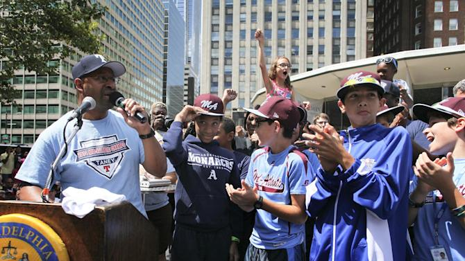 Philadelphia honors Little League team with parade