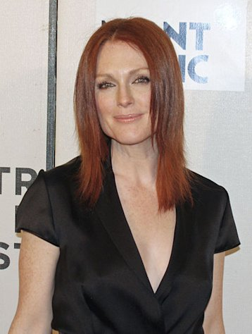 Julianne Moore was the victim of a jewelry heist.