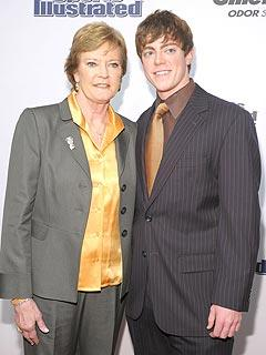 Tyler Summitt battling alongside his legendary mom