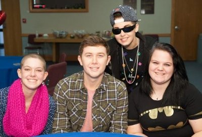 Scotty McCreery visits with patients at St. Jude Children's Research Hospital