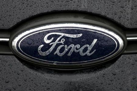Ford first-quarter profit misses expectations, 2015 profit outlook affirmed