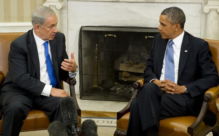 US President Barack Obama (R) and Israeli Prime Minister Benjamin Netanyahu hold a meeting in the Oval Office of the White House in Washington, DC, September 30, 2013