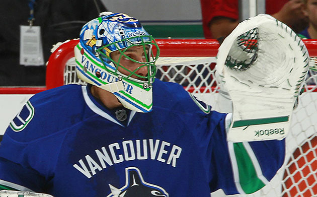 Maybe Roberto Luongo Doesn't Get Traded By The Vancouver Canucks After All?