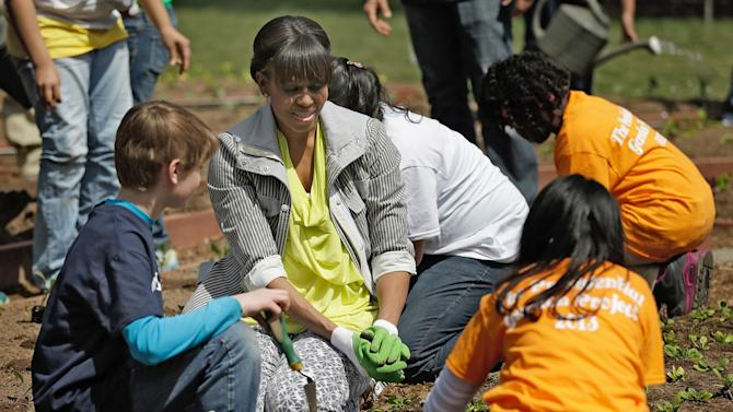 Michelle Obama Hosts Students At 5th Annual White House Garden Kitchen