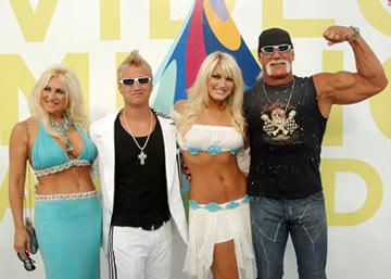 Linda Hogan, Nick Hogan, Brooke Hogan and Hulk Hogan MTV Video Music Awards 2005 - Arrivals - 8/28/05 Brooke Hogan