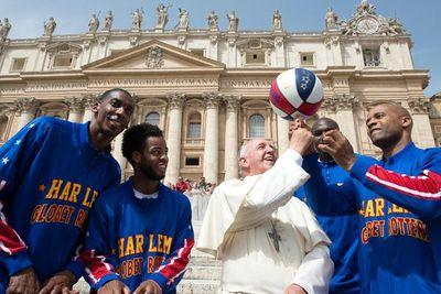 Pope Francis met the Harlem Globetrotters
