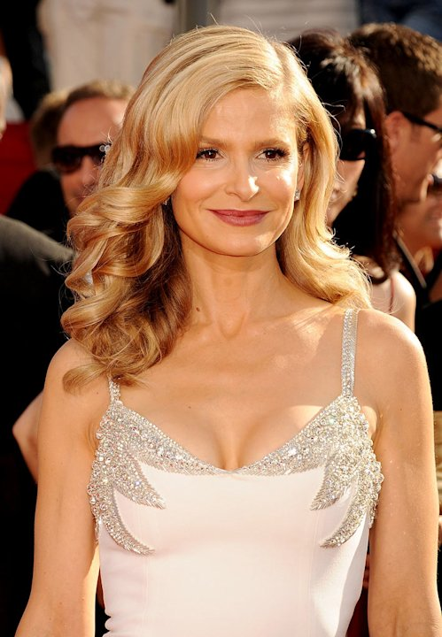 Kyra Sedgwick arrives at the 60th Primetime Emmy Awards at the Nokia Theater on September 21, 2008 in Los Angeles, California. 