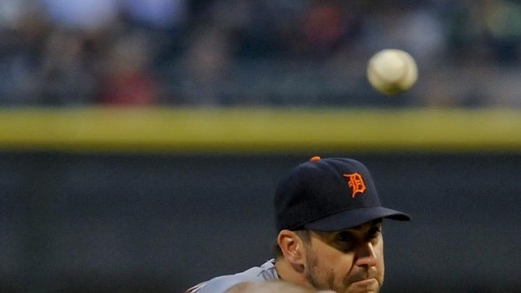 Verlander in control, Tigers beat White Sox