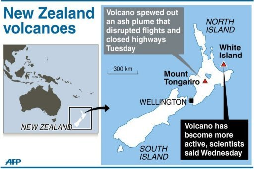 Map locating Mount Tongariro and White Island volcano in New Zealand. White Island threatened to rumble to life Wednesday after Mount Tongariro erupted and sent a plume of ash into the atmosphere Tuesday