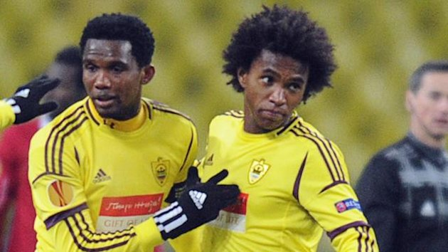 Willian (R) and Samuel Eto'o were teammates at Anzhi (AFP)