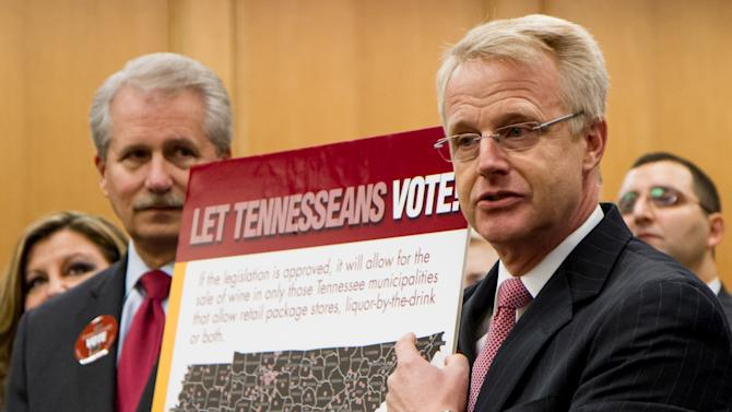 Tenn. governor would sign supermarket wine bill