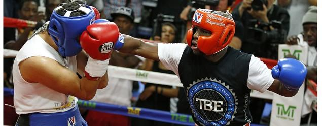 Mayweather lets media film sparring session