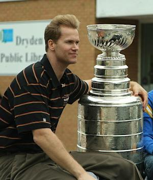 Information About Philadelphia Flyers' Pronger a Cause for Optimism?: Fan Analysis