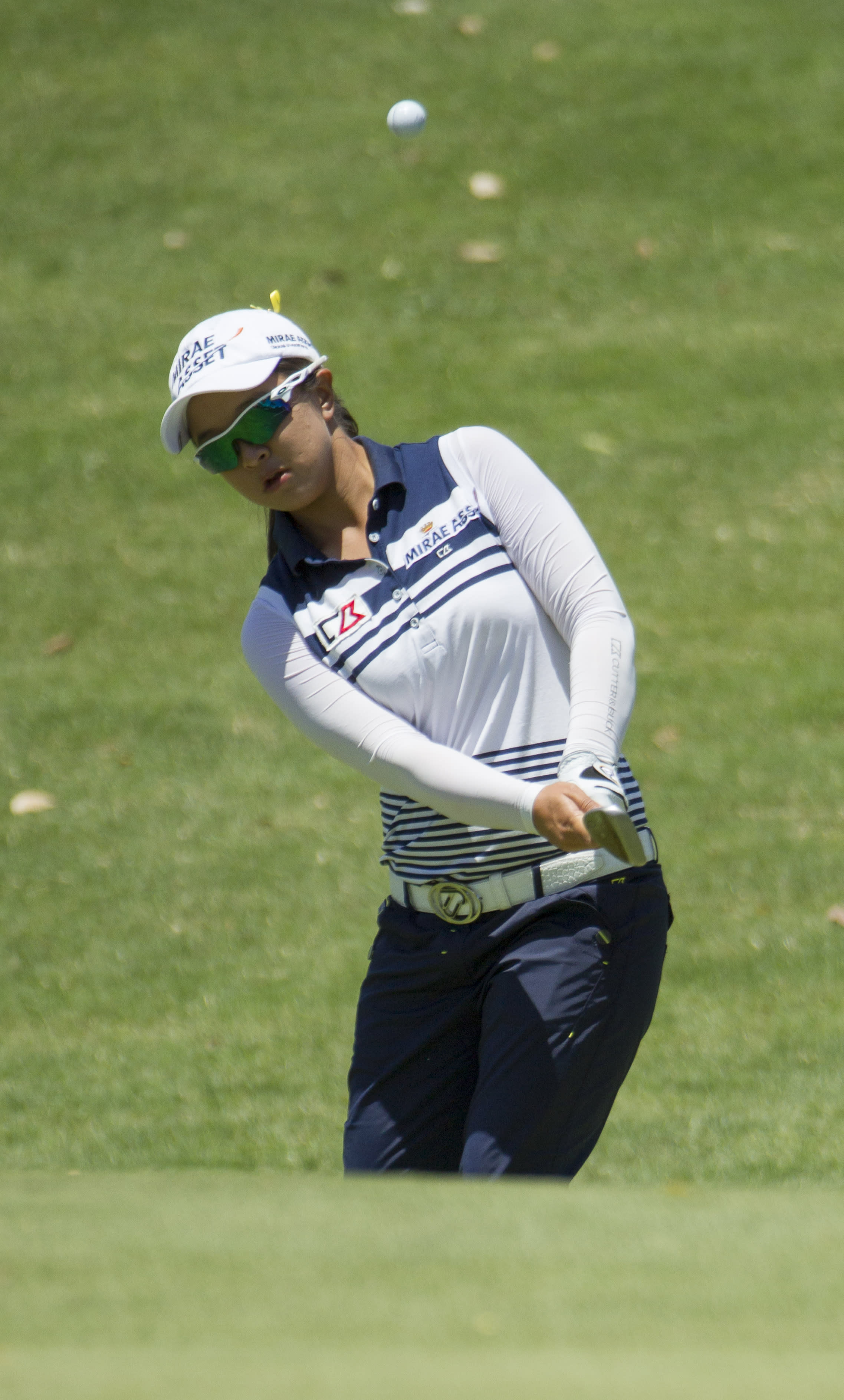 Sei Young Kim takes third-round lead in Hawaii