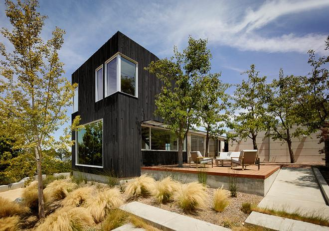 Modern House in California Gets Breezy, Wood-Clad Extension