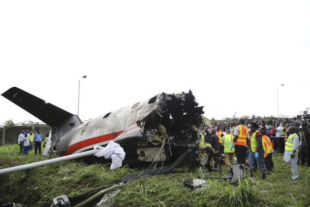 Plane crashes after takeoff from Lagos