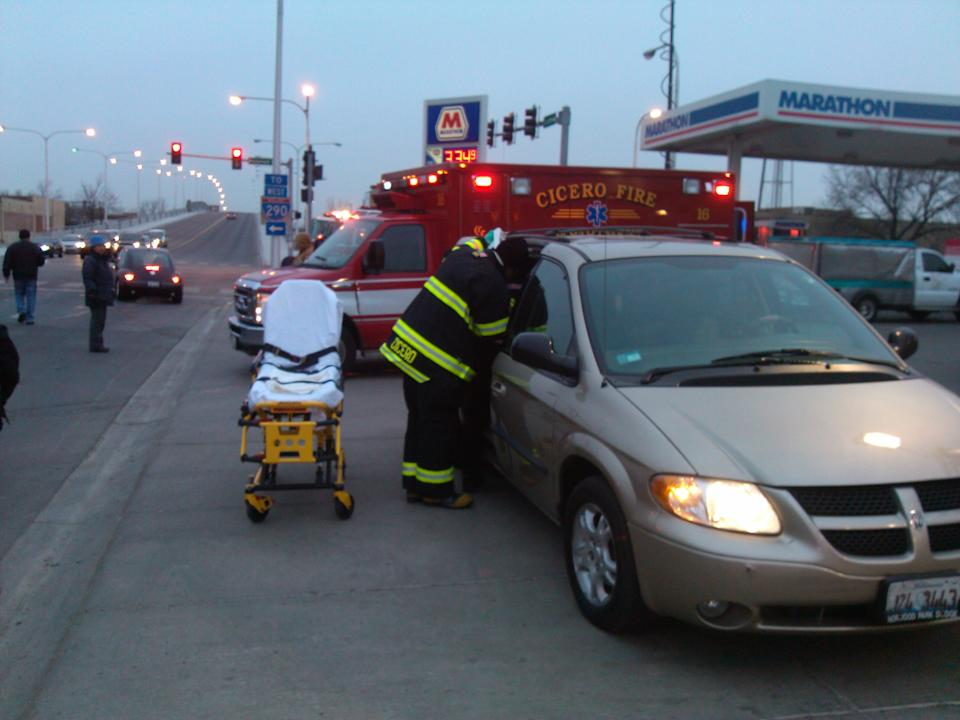 Woman Gives Birth in Chicago-Area Traffic Jam