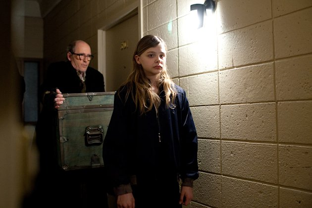 Let Me In Overture Films 2010 Richard Jenkins Chloe Grace Moretz