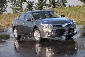 "Toyota Avalon Hybrid Named 2013 ""Best Green Car"" At Atlanta International Auto Show"