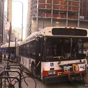 Bus rams pedestrians in Chicago, killing woman