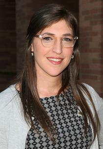 Mayim Bialik | Photo Credits: Victor Decolongon/Getty Images