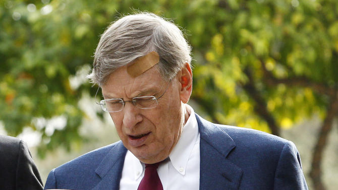Major League Baseball Commissioner Bud Selig arrives for the MLB owner's meetings, Wednesday, Jan. 11, 2012, in Phoenix. (AP Photo/Matt York)