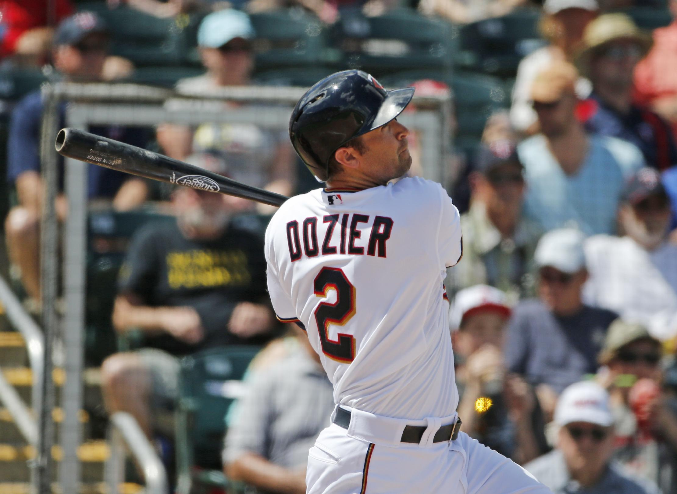 Dozier agrees to $20 million, 4-year contract with Twins