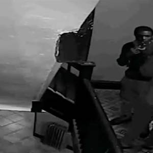 Police Search for Suspects in Brooklyn Robbery