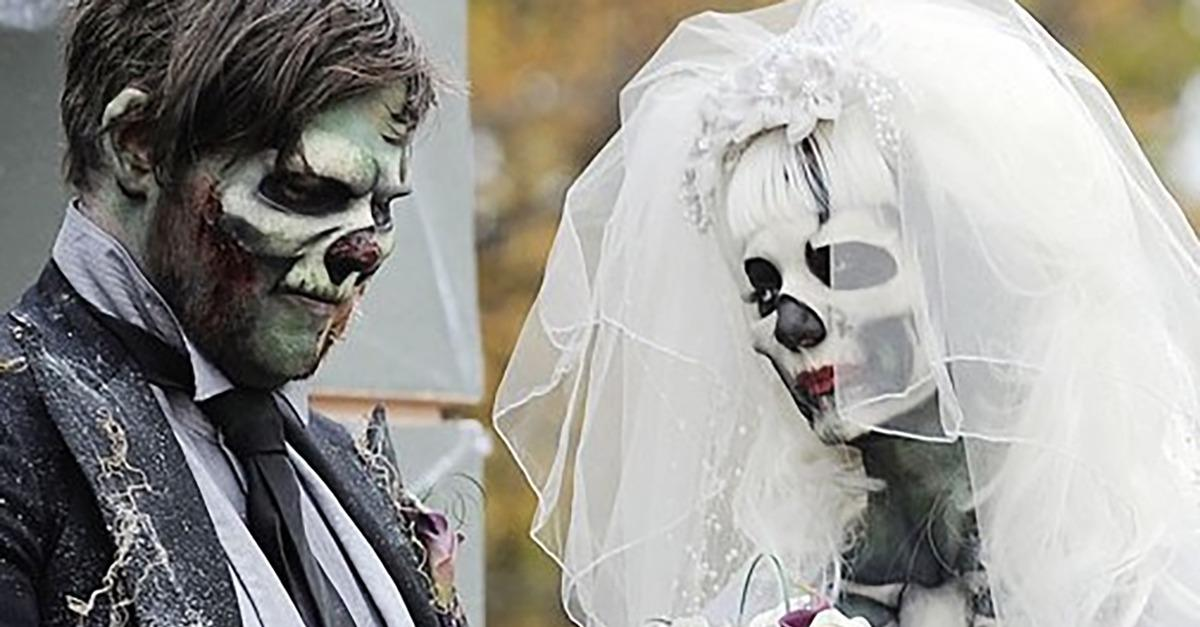 15 UNUSUAL Weddings-Wedding Or Costume Party?