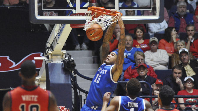 No. 18 Kentucky tops Mississippi 84-70