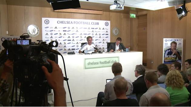 Chelsea's Mourinho confident of signing Willian