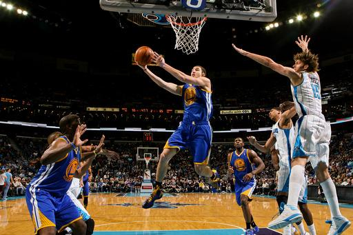 Thompson has season-high 29, Warriors beat Hornets