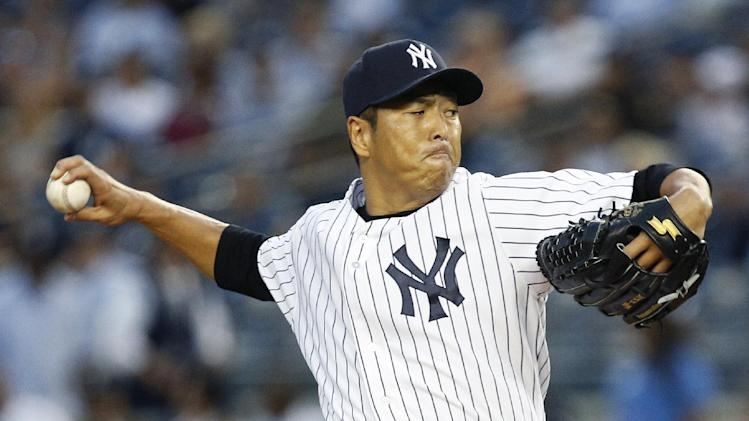 As Cano nears leaving Yanks, RHP Kuroda stays