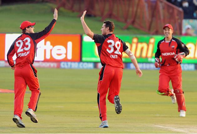 South Australian Redbacks v Warriors: 2010 Champions League 20/20 Semi Final
