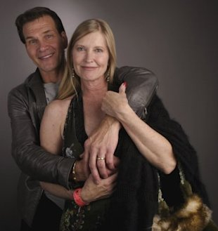 Patrick Swayze and wife Lisa Niemi in 2005 (Photo by Mark Mainz/Getty Images for AFI)