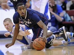 Napier scores 22 as UConn beats Seton Hall 78-67