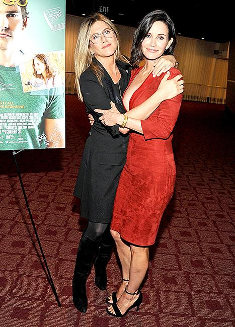 Jennifer Aniston, Courteney Cox Had the Cutest BFF Reunion on the Red Carpet, Plus 10-Year-Old Coco Looks All Grown Up!
